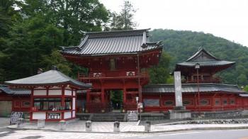 中禅寺山門