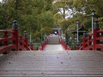 心字池にかかる橋