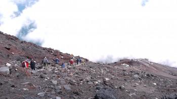 本八号から山頂に至る岩場