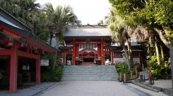 青島神社門