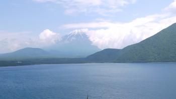 本栖湖からの富士