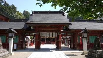 塩釜神社唐門