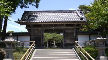 中尊寺本堂入口