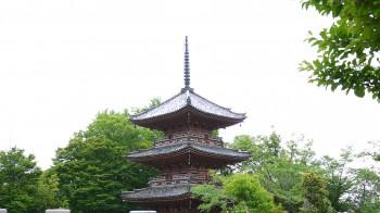 宝寺三重塔