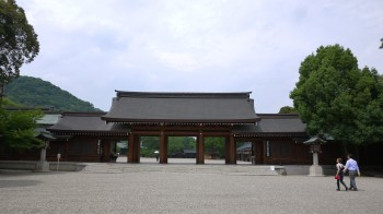 橿原神宮神門