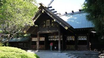 琴似神社本殿