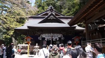 新倉浅間神社拝殿