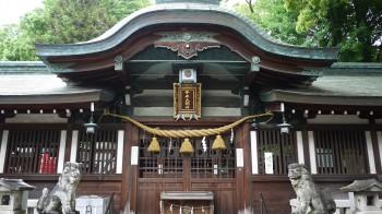 拳母神社拝殿