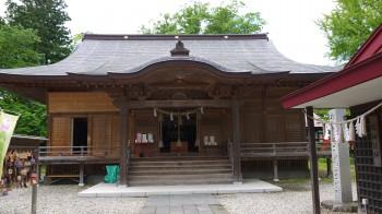 八幡秋田神社拝殿