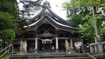 大平山三吉神社拝殿