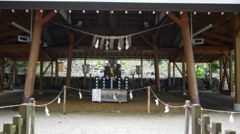 熊野神社泣き相撲