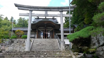夫婦義神社拝殿