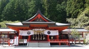 金櫻神社拝殿