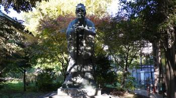 湯島聖堂孔子像