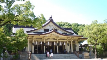 湊川神社本殿