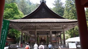 日吉大社西本宮拝殿