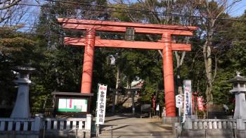 世田谷八幡宮入口