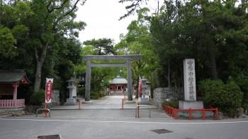 長田神社入り口