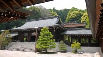 近江神宮拝殿・本殿