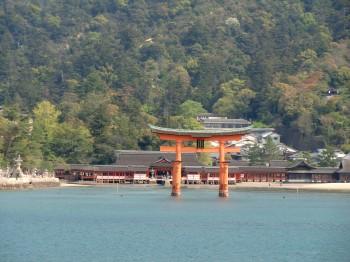 厳島神社海上全景