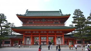 平安神宮門