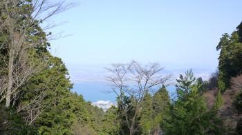 東塔前から琵琶湖