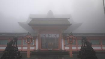 高良大社本殿前門