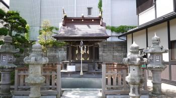 御釜神社本殿