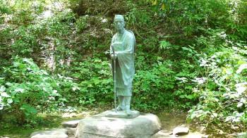 中尊寺芭蕉像