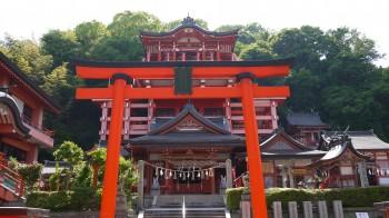 草戸神社全景