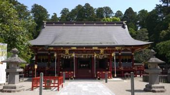塩釜神社本殿