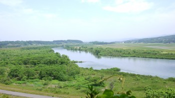 義経堂からの北上川