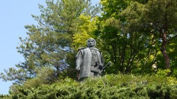 春日山謙信公銅像