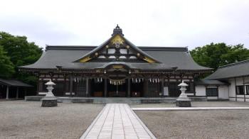 秋田護国神社社殿