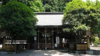 日高神社社殿