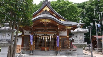 歌県稲荷社殿