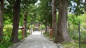 遠野八幡参道